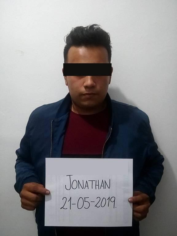 Cámaras de vigilancia del C2 detectan a presunto ladrón de motoneta y es detenido
