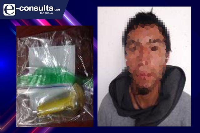 Detienen en calpulalpan a una persona por posesión de droga