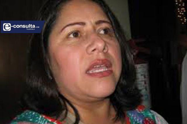 Blanca Águila seguirá viviendo del sindicato, no dejará el cargo por el Covid