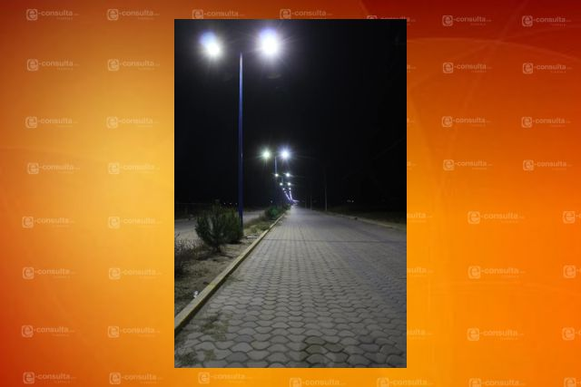 Gobierno Municipal de SPM a rehabilitado e instalado 2,403 lámparas en diferentes calles