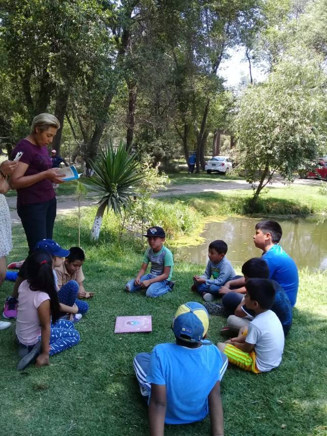 Celebra Xicotzinco Día Internacional del Libro
