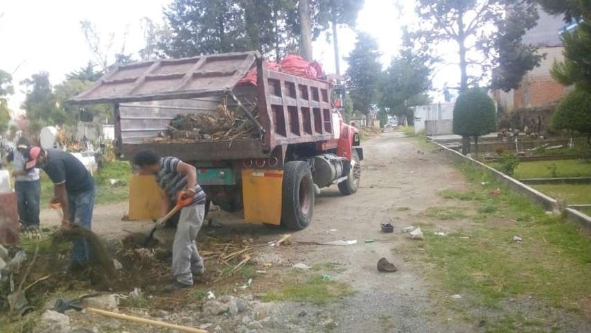 Se lleva a cabo Jornada de Limpieza en Panteón Municipal de Chiautempan