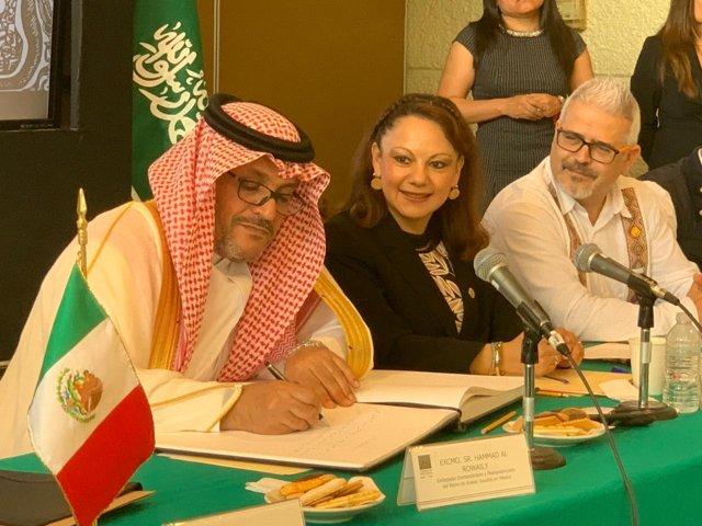 Firma diputada tlaxcalteca vínculo de cooperación económica con Arabia Saudita