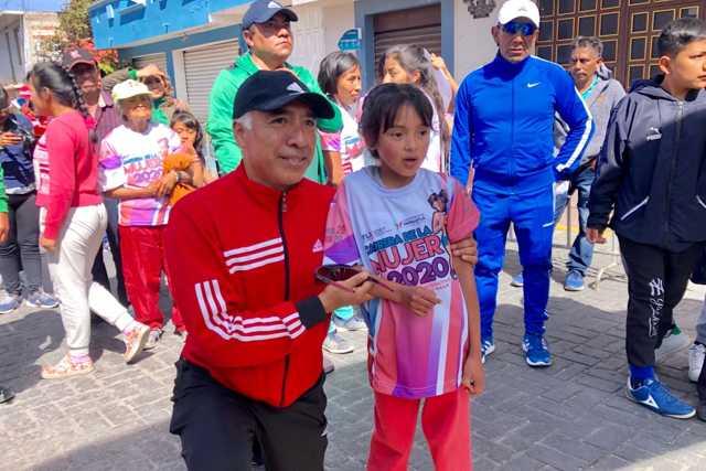 900 mujeres participaron en la carrera estatal en Papalotla
