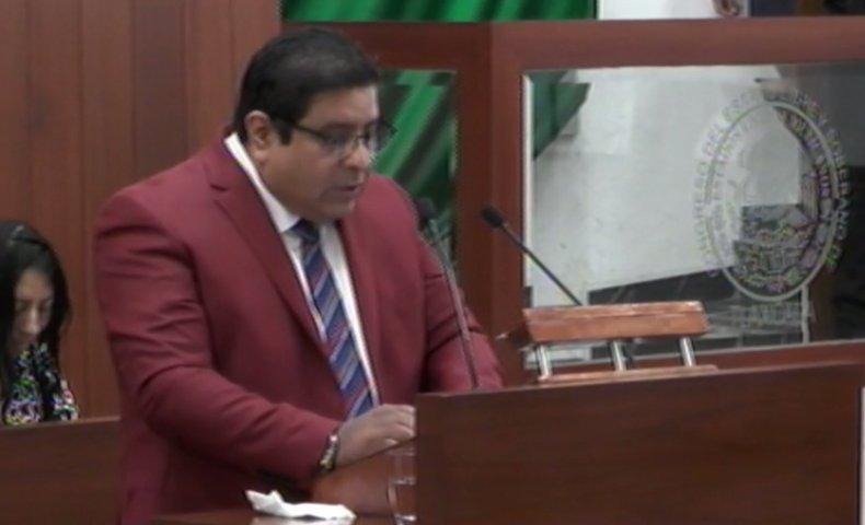 Víctor Castro reconoce la labor periodística en Tribuna