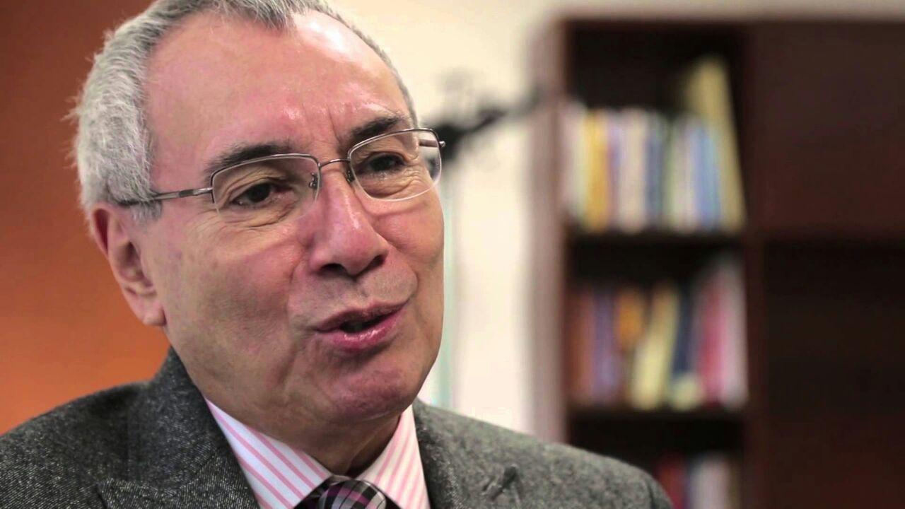 Abre conferencia magistral de Luis F. Aguilar Los Foros para Construir y Crecer Juntos