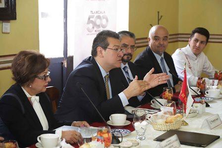 Preside Mena reunión de Contralores Estados-Federación