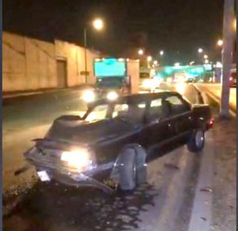 Abandonan dos vehículos tras accidente aparatoso en Chiautempan