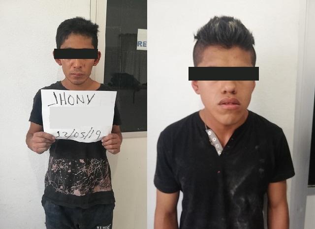 Policía municipal detienen a 2 presuntos ladrones de casa-habitación
