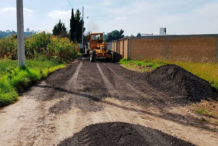 Rehabilitan calles en la cabecera municipal de Panotla
