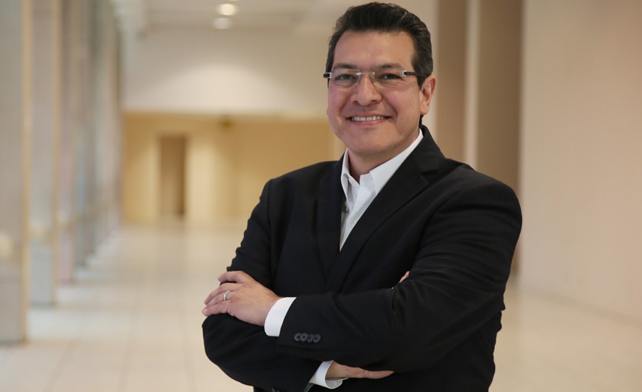 Marco Mena entre los gobernadores mejor evaluados de todo el país