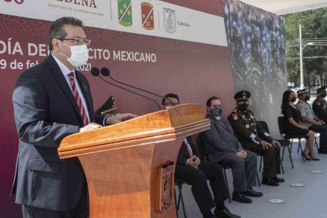 Marco Mena encabeza conmemoración del CVIII Aniversario del Ejército Mexicano
