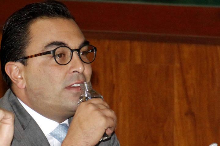 Marianito se desquita con personal del Congreso