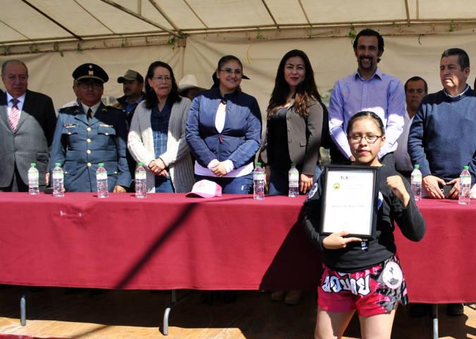 Participan en Tlaxco más de 3 mil alumnos en conmemoración de la Revolución Mexicana