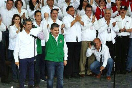 Marco Mena y Ochoa Reza en la toma de protesta de Riquelme