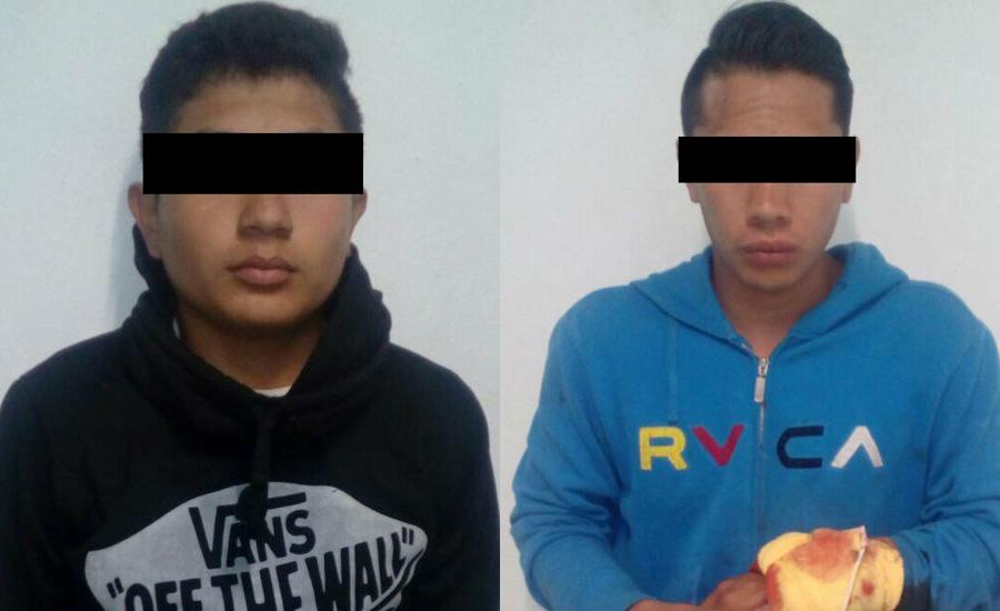 Asegura Policía Estatal a dos sujetos y un vehículo en Zacualpan
