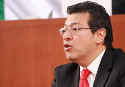 Ubican a Marco Mena entre los peores gobernadores del país