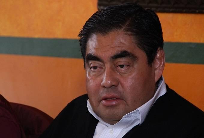 Morena elige a Barbosa como su candidato a la gubernatura de Puebla