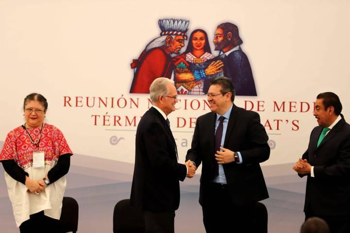 Inaugura Marco Mena reunión de institutos de capacitación para el trabajo
