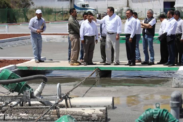 Pone Marco Mena en operación Planta de Tratamiento Industrial de Agua