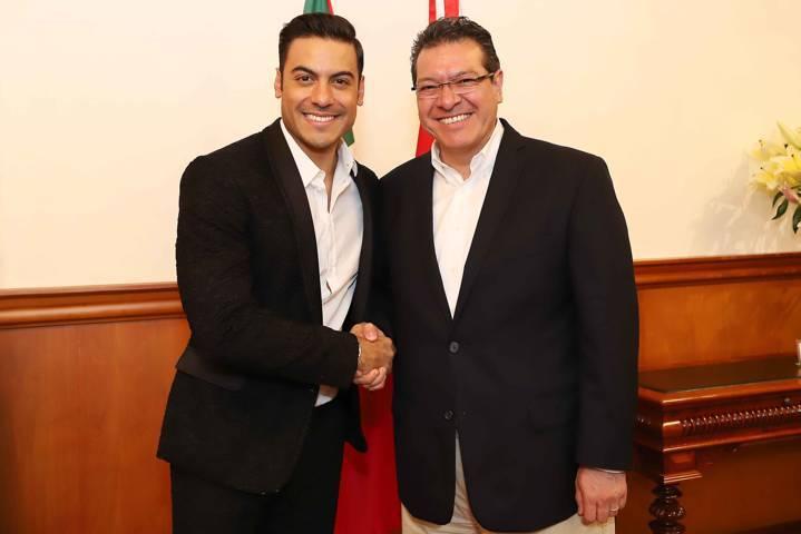 Carlos Rivera filma en Tlaxcala y se reúne con Marco Mena