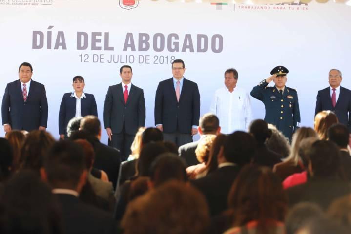 Encabeza Marco Mena conmemoración del Día del Abogado
