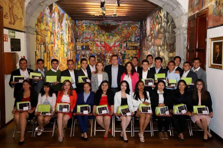Gobierno del Estado respalda talento de jóvenes tlaxcaltecas: Marco Mena