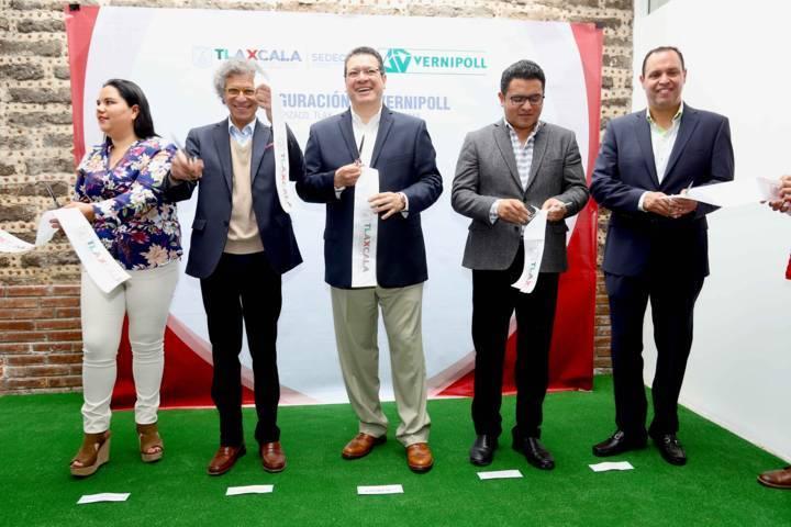 Inauguran Marco Mena y embajador de Italia empresa Vernipoll