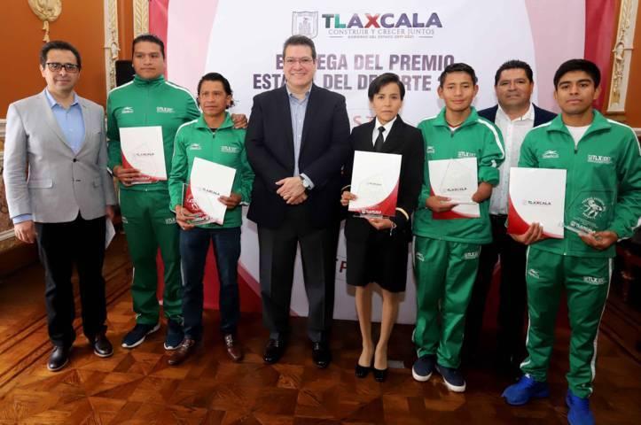 Entrega Marco Mena Premio Estatal Del Deporte 2018