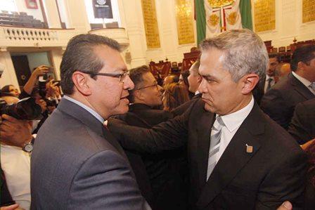 Asiste Marco Mena a quinto informe de Miguel Ángel Mancera