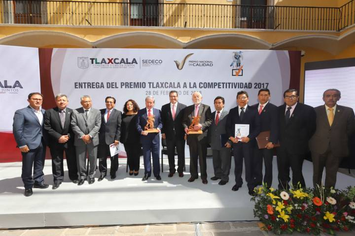 Entrega Marco Mena Premio Tlaxcala a la Competitividad 2017