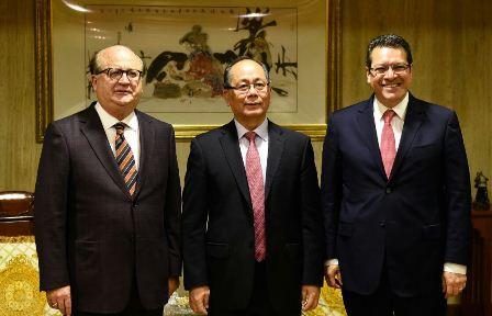 Inicia gobernador Marco Mena promoción de Tlaxcala en China