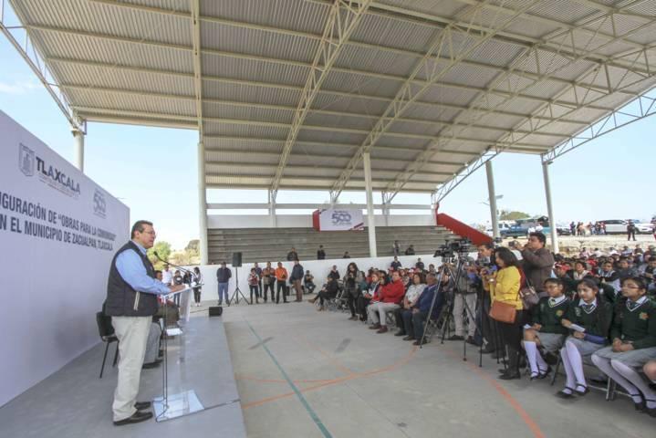 Marco Mena entrega en Zacualpan 11.7 mdp en obras para la comunidad