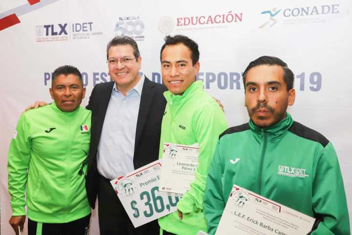 Marco Mena entrega Premio Estatal Del Deporte 2019