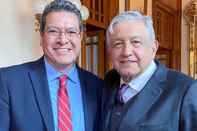 Se reúnen Marco Mena y gobernadores con presidente AMLO