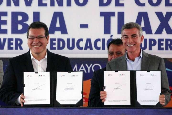 Signan Tlaxcala y Puebla convenio para promover educación superior