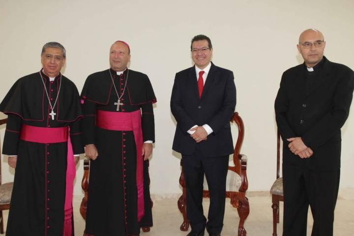 Da bienvenida Marco Mena a nuevo obispo de Tlaxcala