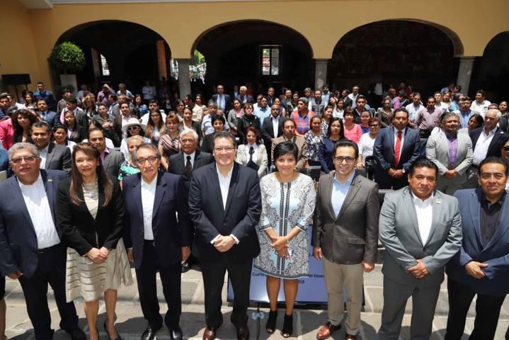 Gobierno sigue cumpliendo con sus responsabilidades: Marco Mena