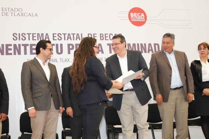 Sistema Estatal de Becas será el mejor del país: Marco Mena
