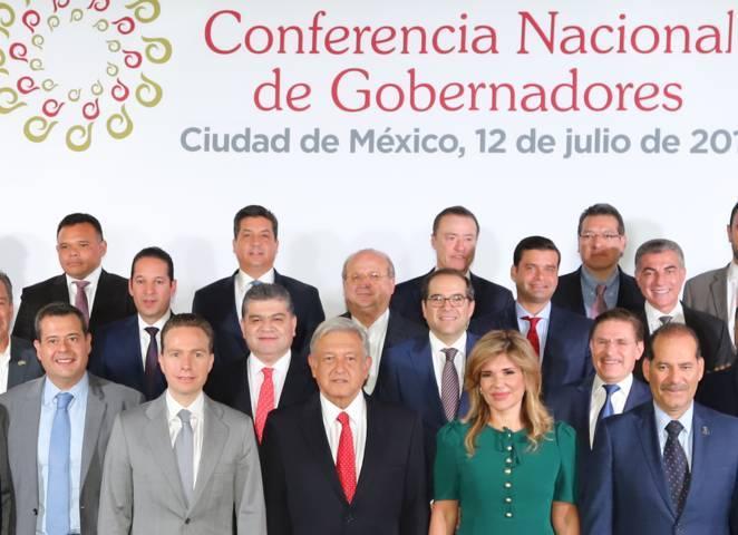 Asiste Marco Mena a reunión de CONAGO con AMLO