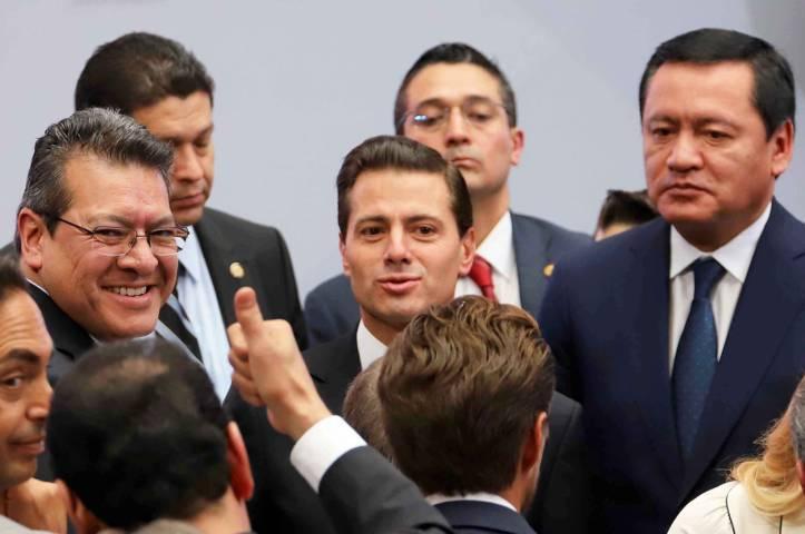 Asiste Marco Mena al Primer Informe de Alfredo Del Mazo | e-consulta ...