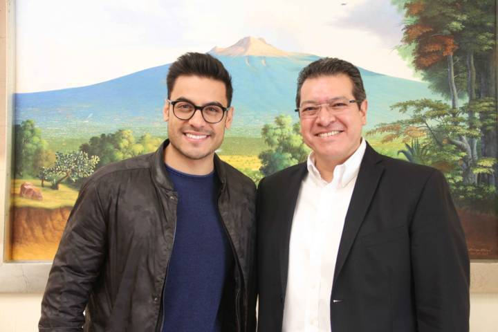Se reúnen Marco Mena y el cantante tlaxcalteca Carlos Rivera