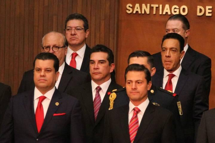 Acude Marco Mena a ceremonia del 101 Aniversario de la Constitución Mexicana
