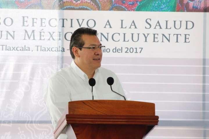 Inaugura Marco Mena y Mikel Arriola Polideportivo del IMSS