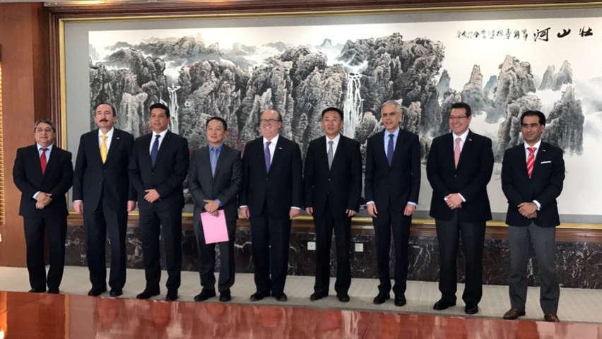 Estrecha Marco Mena relaciones comerciales con China