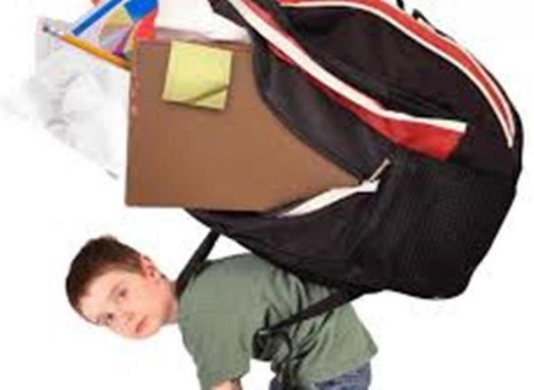 Recomiendan que mochilas no sean pesadas para alumnos