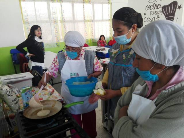 SMDIF de Ixtenco realiza capacitaciones a comedores escolares
