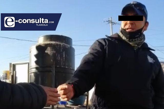Policía pide mordida en Amaxac y dice que se mocha con el director