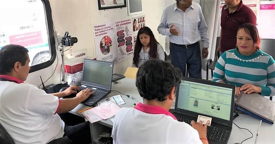 """Aún hay 64 mil credenciales """"18"""" pendientes de renovar en Tlaxcala: INE"""