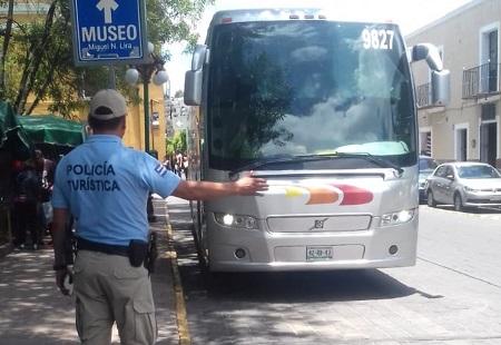 Atiende Policía Turística capitalina a cientos de visitantes